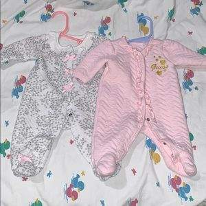 Comfortable soft baby onsie bundle